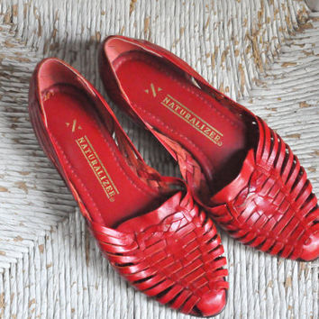Vintage Red Leather Woven Huaraches Sandals Naturalizer Brand Flats
