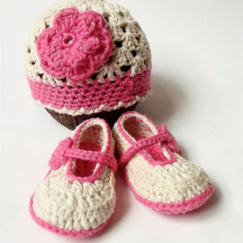Baby girl hat and shoe set, crochet baby hat and booties, crochet baby gift set. Baby girl maryjanes and crochet hat