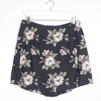 Vintage 1990s Skort Black Beige Green Ditsy Floral Wrap Front Faux Micro Mini Skirt Shorts 90s Soft Grunge Hipster Shorts XS Extra Large L