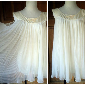 Vintage Babydoll Nightie Crystal Pleated Chiffon Nylon Short Nightie Bloomer Panties Lingerie Baby Doll Rogers Gold 42 bust