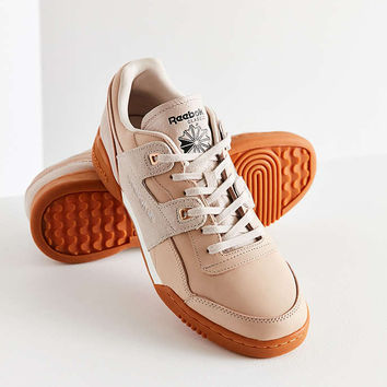 Reebok Workout Lo Plus Golden Sneaker - Urban Outfitters