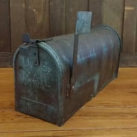 Vintage Outdoor Galvanized Steel Mailbox with Metal Flag