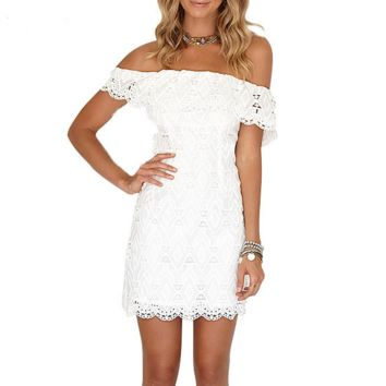 A word shoulder pure color lace package buttocks of carve patterns or designs on woodwork dress