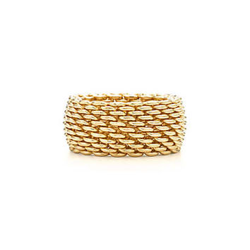 Tiffany & Co. - Tiffany Somerset™ classic wide ring in 18k gold.
