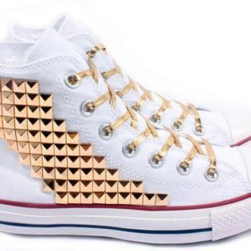 CREYUG7 Studded Converse Gold Pyramid studs with converse White high top