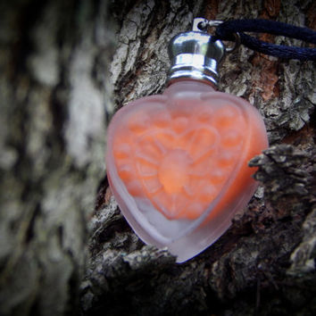 Heart Perfume Necklace - Perfume Bottle Necklace - Outlander Necklace - An Echo Of Amber