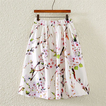 White Vintage Floral Print A-Line Pleated Midi Skirt