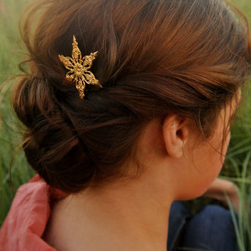 Fancy Ornate Gold Star Snowflake  Hair Pin Bobby Pin-Gold Star Hair Clip Barrette