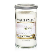 Fluffy Towels Perfect Pillar by Yankee Candle