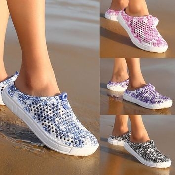 2017 Women Summer Crocs Beach Sandals Hollow-out Shoes Casual Breathable slippers Slip-on Flats Shoes