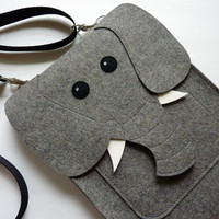 Elephant MacBook Pro 13 inch sleeve - Gray felt - Made to order