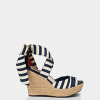 UGG® Lucianna Stripe for Women | Free shipping at UGGAustralia.com