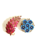20% OFF SALE Flower Power .. Vintage Floral Pins. set of 2 / pink and blue rhinestones