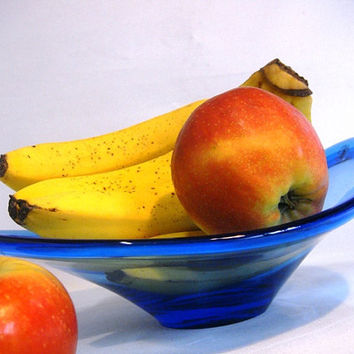 Modern glass fruit bowl