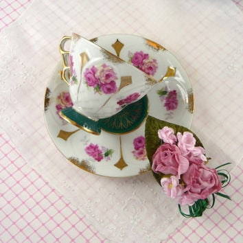 Vtg Pink Roses Footed Tea Cup & Saucer with Vintage Linen Hankie and Millinery Pink Roses Corsage Brooch Mothers Day Gift Set