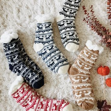 HOLIDAYS FUZZY SOCKS- MORE COLORS