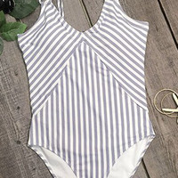 Cupshe All about Stripe One-piece Swimsuit