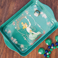 ModCloth Vintage Inspired Serves Up Tray