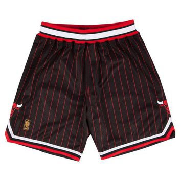 ONETOW Chicago Bulls 1996-97 NBA Authentic Shorts