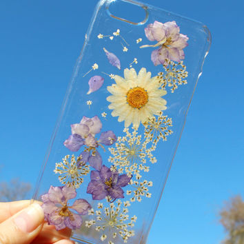 Hand Selected Natural Dried Pressed Flowers Handmade on iPhone 6 / 6 Plus Crystal Clear Case: Purple Passion w/ White Daisy Design