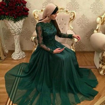 Vestidos De festa 2016 Dubai Dark Green Muslim Evening Dresses with long sleeves lace appliques prom dresses A-Line  formal gown