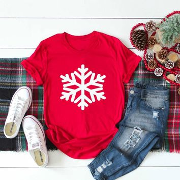 Snowflake women fashion graphic pretty causal cotton t-shirt Christmas holiday gift family shirt aesthetic tumblr tees quote top