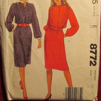 SALE Uncut McCall's Sewing Pattern, 8772! Size 16 Large/Women's/Misses/Loose Fitting Dresses/Stand-up buttoned collar/elastic waist/long sle