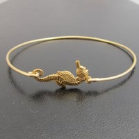 Seahorse Bangle Bracelet in Gold