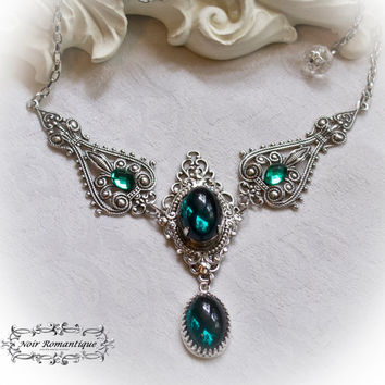 The royal absinth necklace-Gothic victorian necklace-Silver necklace with emerald gem-victorian gothic necklace