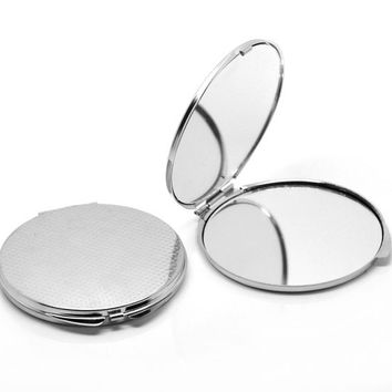 "1PC Make Up Compact Mirror 8cm x 7.4cm(3 1/8""x2 7/8"") (Size: 8cm x 7.4cm, Color: Silver) = 1705660676"