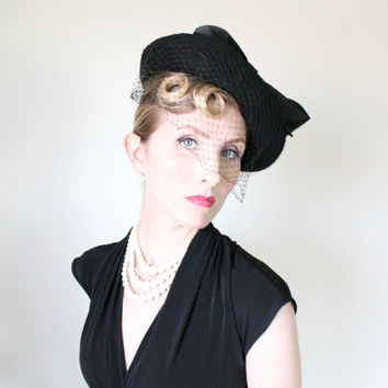 1930's Hat, VINTAGE, Tilt, Felt, Wide Brim, Birdcage Veil, Satin Bow, Tapered Crown, EXQUISITE