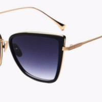 'Total Doll' Cat-Eyed Shades - Black