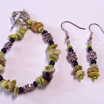 Pale Green Jasper Chip Bracelet and Earring Set Silver Accent