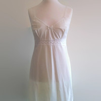 Vintage white bridal slip - 1970s nylon slip -  knee length snowy full slip - retro wedding lingerie