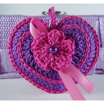 Crochet keychain, Key accessories, bag accessories - Heart Shape with a flower and a satin ribbon - Gift or other occasion