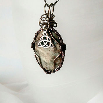 Celtic Knot Pendant, trinity knot, triquerta necklace, Irsh jewelry, Beaufiful african opal stone pendant