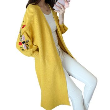 2017 New Spring Autumn Women Thin Cardigan Sweater Coat Fasihon Foral Embroidered Lantern Sleeve Loose Long Sweater Female C187
