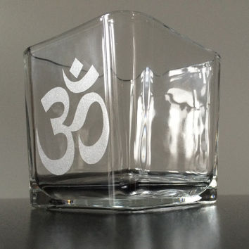 Om Glass Candle Holder, Ohm, Aum, Yoga candle holder, Mediation decor, ohm symbol candle holder, Yoga gifts, Om decor, Reiki, Chakra