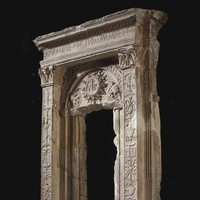 BY GIOVANNI GASPARE PEDONI, CREMONESE (ACTIVE 1499-1520) -A WHITE MARBLE TABERNACLE FRAME