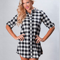 The Perfect Flannel - Long Plaid Button Up Black/White