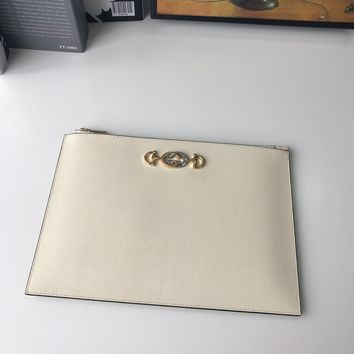 HCXX 19June 608 Gucci 570728 Wallet Cosmetic Bag white