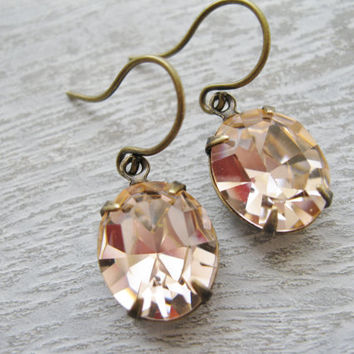 Peach Earrings, Rustic Bridesmaid Earrings, Vintage Wedding Jewellery, Vintage Swarovski Elements, Peach Wedding, Antique Brass Drop Earring