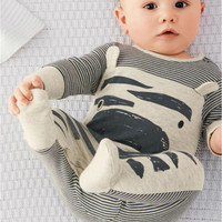 2015 newborn bebe baby boy clothes cute cows gray striped long-sleeved baby rompers +hat  baby clothing set