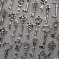 The Caspian Collection - Skeleton Key Charm Assortment in SILVER - Set of 36 Keys