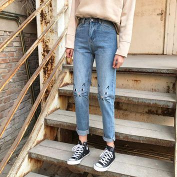 ICIKHQ6 High Waist Jeans Women 2017 Spring Cat Embroidery Jeans Female American Apparel Mom Boyfriend Jeans Femme Women Pants