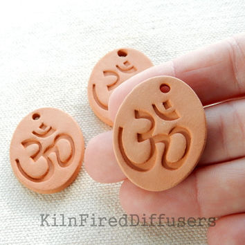 Diffuser Clay, Om Ohm Pendant, Aromatherapy Essential Scented Oil Diffuser Pendant, DIY Necklace, Oval Terra cotta Bisque Ceramic Unglazed
