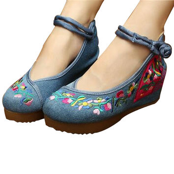 Chinese Embroidered Shoes Women Ballerina  Cotton Elevator shoes embroidered fan Blue
