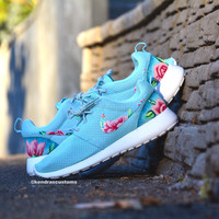 Roshe hand painted womens rose floral size 7.5 and 9.5 nike rosherun shoes