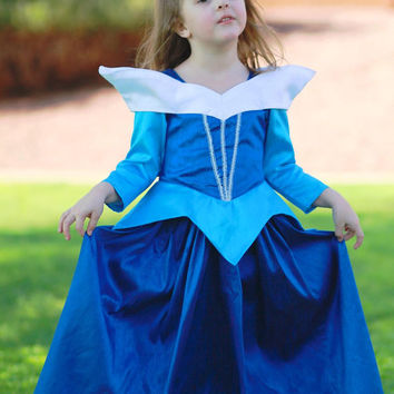 Aurora, the Sleeping Beauty Ballgown in blue or pink Disney Princess Dress Size 6 costume