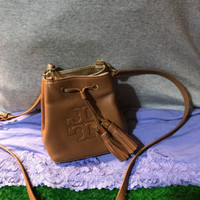 Handbag Tory Burch Thea Luggage Pebble Leather Credit Card Drawstring Crossbody